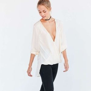 Silence and noise Bianca Tie Neck surplice Blouse